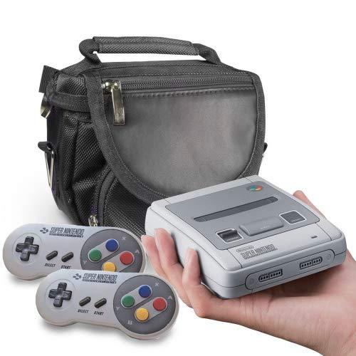 Orzly Bolsa SNES Mini, Bolsa de Viaje para la Super Nintendo Classic Mini Edition (Nuevo Modelo 2017 Versión Mini Super NES) Consola + Cable + 2 Mandos – Incluye Correa + Asa – Negro