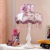Lámpara de mesa Exposición europea de encaje floral Pastoral Sala de estar Lámpara de mesa Resina Lámpara de mesa decorativa A +