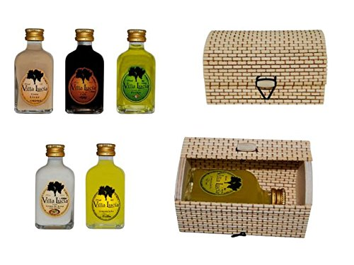 Lote de 15 Botellas de Licor Minis en Cajas de Mimbre Rectangulares. Detalles de Bodas y Eventos.(8 cm. - 5 cl.)(10,5 x 6 cm.)
