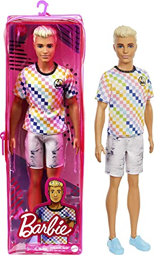 Barbie Ken Fashionista Muñeco rubio con camiseta a cuadros de colores y accesorios de moda de juguete (Mattel GRB90)