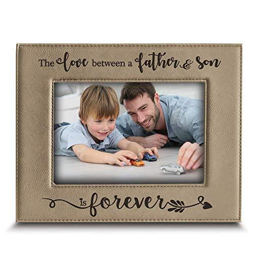 """BELLA BUSTA- O amor entre pai e filho é eterno de presente de pai e filho - moldura de couro gravado, Bege, 4"""" x 6"""" Horizontal"""