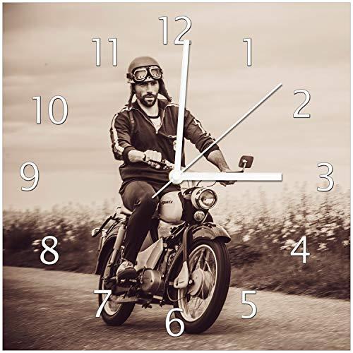 Wallario Glas-Uhr Echtglas Wanduhr Motivuhr • in Premium-Qualität • Größe: 30x30cm • Motiv: Simson Fahrer in der DDR in Sepiafarben