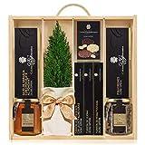 Lote Gourmet Regalo Navidad Sweet Premium con arbolito navideño, miel de azahar, gajos de naranja, turrones artesanales, nueces acarameladas y polvorones en caja de madera con tapa y asa