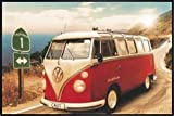California Camper VW Bus Poster (62x93 cm) gerahmt in: