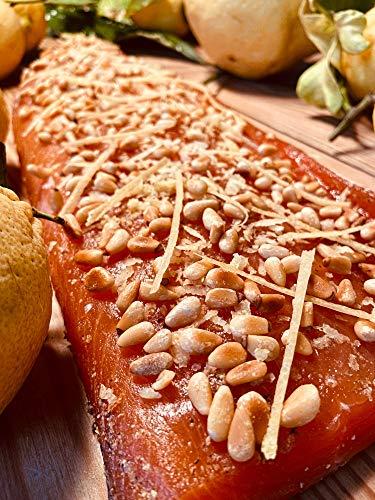 Graved Lachs mit Pinienkernen und Zesten von Amalfi Zitronen 300g Stück