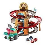 Cars Radiador Springs Pista de carreras de coches de juguete, incluye 2 vehículos personaje, regalo para niños +3 años (Mattel GTK90)