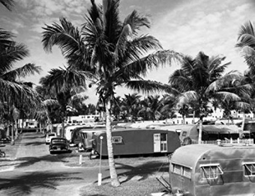 Mobile Homes Along a Road Trailer Park Hollywood Beach Hollywood Florida USA Poster Drucken (60,96 x 91,44 cm)
