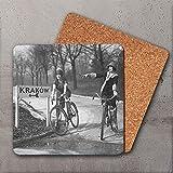 Posavasos con fotografía vintage – Las niñas en bicicletas van a Cracovia, Polonia, hecho a mano, bebidas, cocina Galeria LueLue
