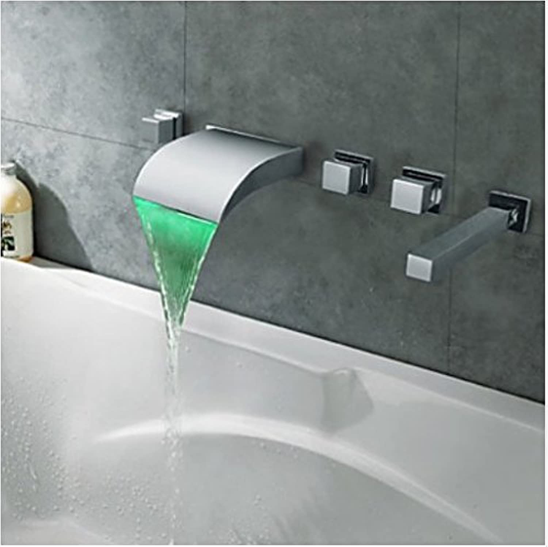 Gowe LED Licht Wasserfall Auslauf Badewanne Armatur 3Griffe Wasserhahn mit Handbrause Chrom Finish