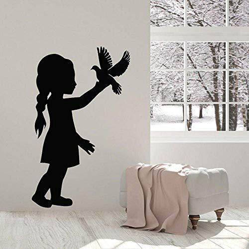 Muursticker muursticker meisje met duif vogel kunst behang kinderen slaapkamer kinderkamer babykamer huis decoratie deur venster Vinyl Sticker muurschildering 42x68cm