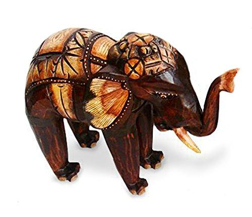 TEMPELWELT Deko Figur Elefant Bumbo stehend aus Albesia Holz braun, Höhe 15 cm groß, Holzfigur Krafttier im Afrika Stil Kunsthandwerk aus Bali handgefertigt, Größe:15 cm