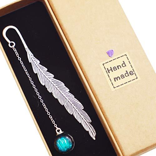 Toirxarn Segnalibro in metallo con piume di costellazione di compleanno, pendente luminoso, è un regalo pratico e creativo per lettori, donne, amici, studenti.