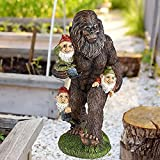 NUB Gartenzwerg Bigfoot Statue Skurrile Cartoon Orang Utan Skulptur Mit Gnom Lustige Sasquatch Gartenfiguren, Outdoor Miniatur Big Feet Gorilla Yard Kunstskulptur Harz Statue