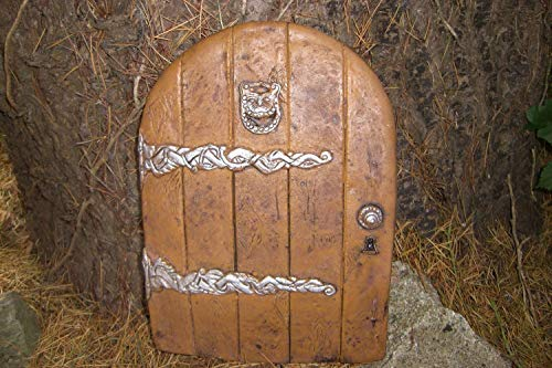 LARGE GARDEN FAIRY/HOBBIT DOOR IDEAL FOR GARDENS AND BOTTOM OF TREES by Penfound