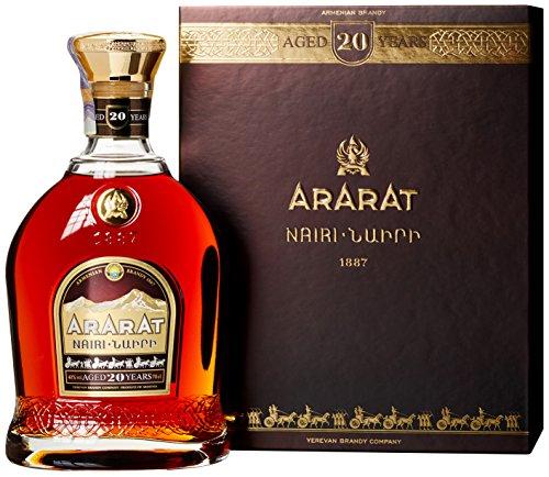 Ararat Nairi 20 Years Old mit Geschenkverpackung (1 x 0.7 l)