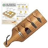 Cotswold Homeware Co. - Tabla de queso de madera de acacia para servir queso con juego de cuchillos de madera de acacia