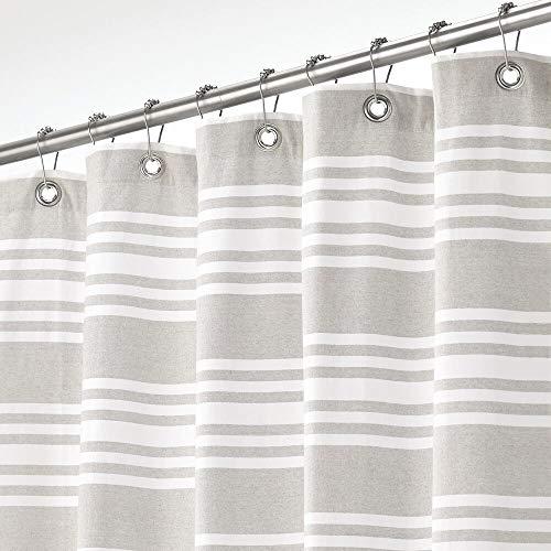 mDesign Duschvorhang aus 100prozent Baumwolle – gestreifte Duschgardine für Dusche & Badewanne mit 183 cm x 183 cm – langlebiges Badzubehör mit verstärkten Löchern – hellgrau