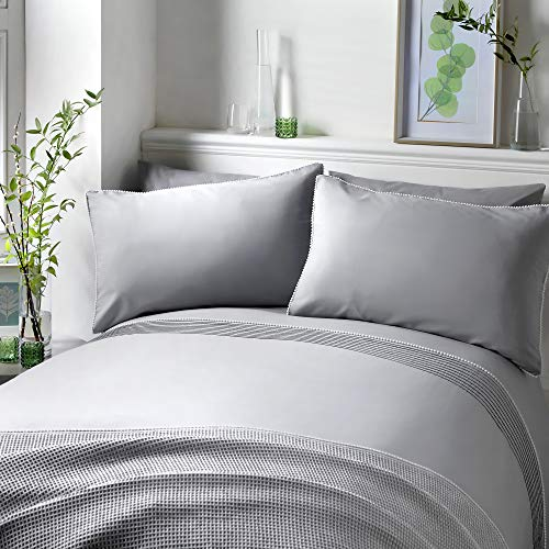 Serene - Pom Pom - Easy Care Duvet Cover Set | King Size | Silver Bedding with White Pom Poms