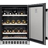 Cave à vin encastrable de service Electrolux ERW1573AOA - Cave de service- Capacité : 52 bouteilles - Air brassé - Noir et Verre - Porte Vitrée - 6 clayettes Bois - classe A