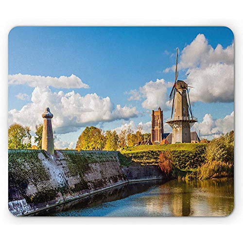 Kleurrijke muismat, Panoramisch landschapsbeeld van de Nederlandse stad Woudrichem en molens, antislip rubberen muismat