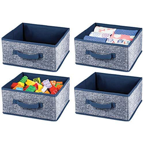 mDesign 4er-Set Aufbewahrungsbox aus Kunstfaser – für Ordnung im Kleiderschrank – Stoffkiste mit Griff und offener Oberseite für Kleidung, Decken, Accessoires und mehr – blau