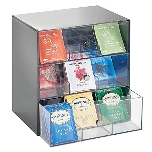 mDesign Organizador de cocina para bolsas de té, cápsulas de café, azúcar, etc. – Compacto organizador con cajones de plástico con 27 apartados – Mini cajonera con 3 cajones – gris y transpare