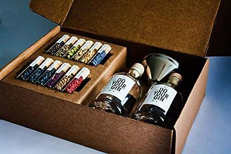 DO YOUR GIN - kit Gin Tonic para Elaboración de Ginebra - 12 Productos Botánicos de Alta Calidad - En Hermosas Botellas de Especias - El Regalo Perfecto para Hombres y Mujeres - Incluye 2 Botellas
