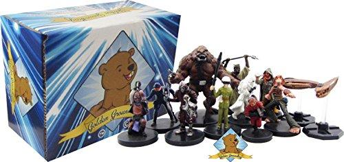 Star Wars Miniatures! 100 Random Star Wars Figures – Includes Big Golden Groundhog Deckbox!