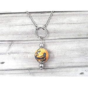 Chokerhalskette für Damen aus Edelstahl mit Ringen und Jadeperlen in Orange und Schwarz getönt