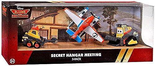 Disney PLANES  Fire & Rescue Exclusive 1 55 Deluxe Die Cast 3-Pack Secret Hangar Meeting [noirout, Drip & Pontoon Dusty] by Mattel Toys