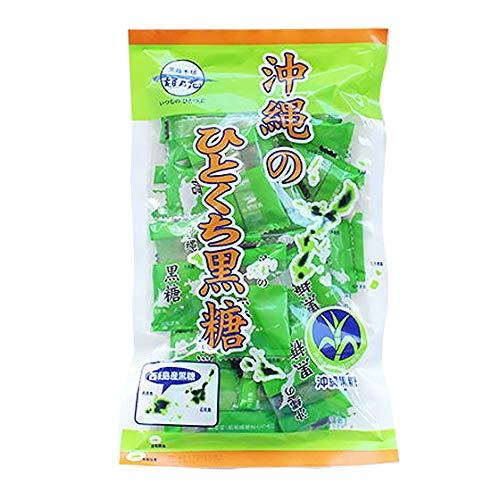 沖縄のひとくち黒糖 西表島 100g×30P 黒糖本舗垣乃花 純黒糖 西表島のさとうきびから取れた純粋な黒砂糖で、さとうきびのミネラルがそのまま含まれています