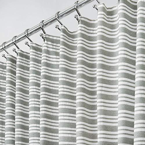 mDesign Dekorative gestreift mühelosCare Stoff Duschvorhang mit verstärkte Knopflöcher, für Badezimmer Duschen, Stalls & Badewannen, maschinenwaschbar–182,9x 182,9cm grau & weiß gestreift