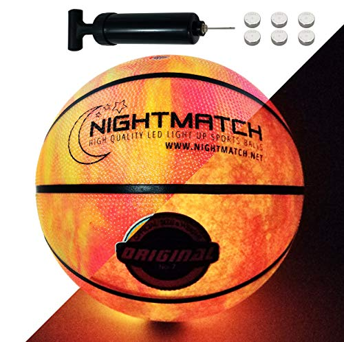 NIGHTMATCH Balón de Baloncesto Ilumina Incl. Bomba de balón - LED Interior se Enciende Cuando se rebotado– Brilla en la Oscuridad - Tamaño 7 - Tamaño y Peso Oficial