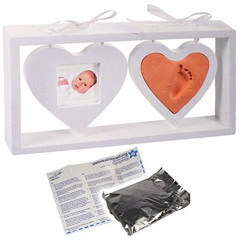 alles-meine.de GmbH 3-D Bastelset _ Händeabdruck + Fußabdruck - incl. Rahmen - 2 hängende Herzen in weiß - Babyfoto - Babyabdruck - Set Ton Abdruck - Aufstellen - gießen Gipsform..