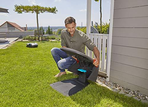 Gardena Garage für Mähroboter: Garage für Rasenmäher, optimaler Sonnen- und Regenschutz für Rasenroboter und Ladestation (15020-20) - 4