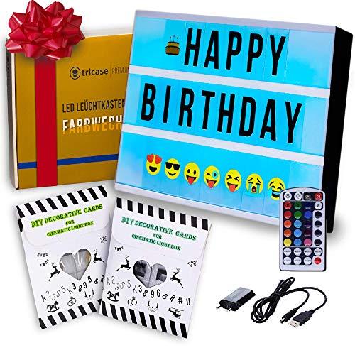 TESTSIEGER LED Lightbox mit Buchstaben – A4 Leuchtkasten mit Farbwechsel, MEGA Set inkl. 173 Buchstaben, 85 farbige Emojis, 1,5m USB Kabel, Netzteil, Fernbedienung mit Dimmer, Perfektes Deko Geschenk