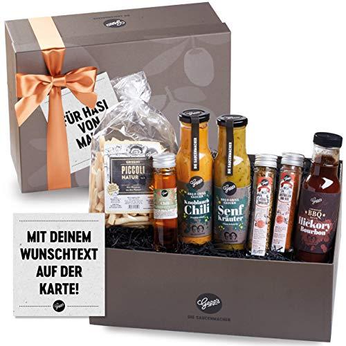 Gepp's Genuss-Box für Männer - mit personalisierter Grußkarte I Geschenkbox gefüllt mit Delikatessen wie BBQ Saucen, Chili Öl, Rubs und Grissini I Geschenk für Papa, Freund, Ehemann (A0003)