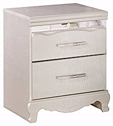 small-bedside-table-for-girls-small-bedroom