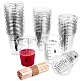 WXJ13 - Juego de 50 vasos graduados de plástico desechables de 10 onzas con resina epoxi con 50 varillas de mezcla de madera