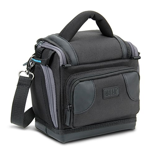 USA GEAR Borsa per Fotocamera Reflex Digitale con Rivestimento Interno Imbottito, Divisorio Regolabile, Tasche per Accessori e Tracolla - Compatibile con Nikon, Canon, Sony, e Altre Fotocamere DSLR