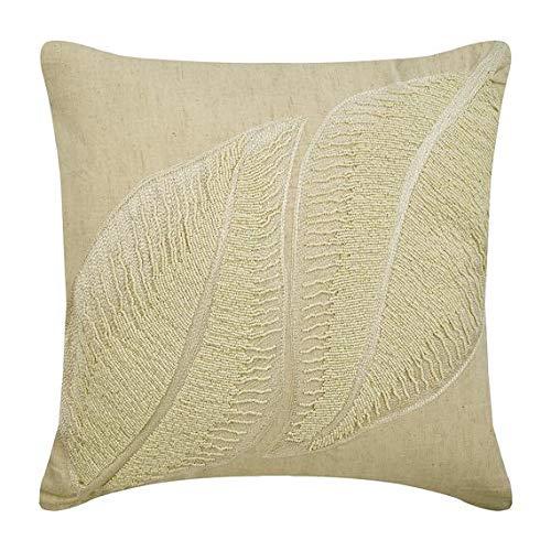 The HomeCentric Taie d'oreiller décorative Beige Feuille Florale Perle et Broderie 55 x 55 cm Lin Beige, Housse de Coussin à la Main Lin - Pearl Dazzle