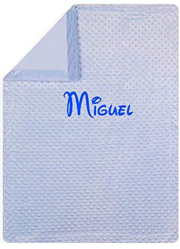 mibebestore - Manta bebe personalizada con nombre bordado, cochecito o capazo. Medidas 80x110 cm. Tacto terciopelo. Regalo Baby Shower