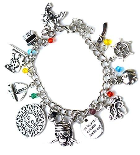 Braccialetto a tema Pirati dei Caraibi, con ciondoli argentati a forma di teschio, spada e nave, in confezione regalo