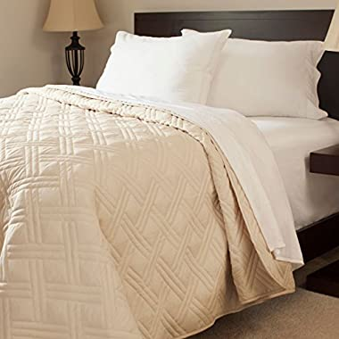 Lavish Home Solid Color Bed Quilt, King, Ivory