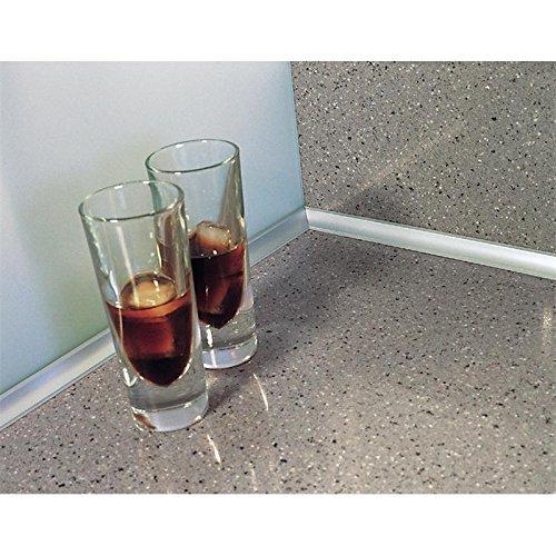 Wandabschlussprofil System Piccolo Edelstahl Optik aus hochwertigem Kunststoff bestehend aus Stange á 5 m gerollt, eine Endkappe für jeweils Rechts und Links, eine Innenecke mit 90 ° und 135°, eine Außenecke, eine 3D Innenecke 90° und Montageanleitung für Arbeitsplatten etc für glatte und ebene Flächen von SCHOCK