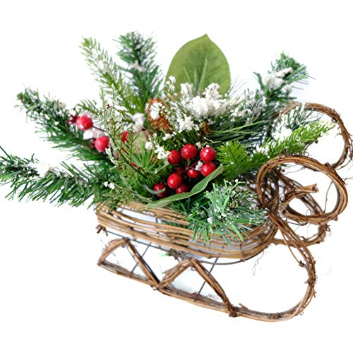 Idyllic Christmas Centerpiece Sleigh Mixed Pine and Red Berry Grapevine Santa Sleigh Christmas Table Top Decoration Ornament (Standard)