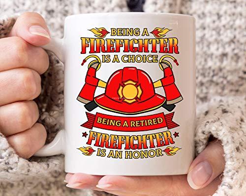 DKISEE Taza de café con texto en inglés 'Being A Retired Firefighter Is An Honor', taza de café para bomberos jubilados, regalo para hombres y mujeres