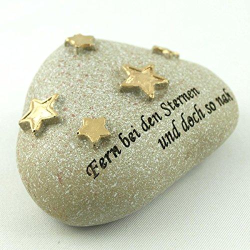 Trauer-Shop Kleiner Deko Stein mit Sternen und Inschrift Fern bei den Sternen und doch so nah. Breite 6,5cm