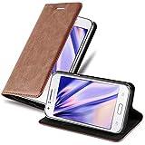 Cadorabo Hülle für Samsung Galaxy J1 2015 in Cappuccino BRAUN - Handyhülle mit Magnetverschluss, Standfunktion & Kartenfach - Hülle Cover Schutzhülle Etui Tasche Book Klapp Style