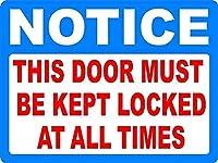 2個 このドアは常にロックされている必要があることに注意してくださいブリキサイン金属プレート装飾サイン家の装飾プラークサイン地下鉄金属プレート8x12インチ メタルプレートブリキ 看板 2枚セットアンティークレトロ